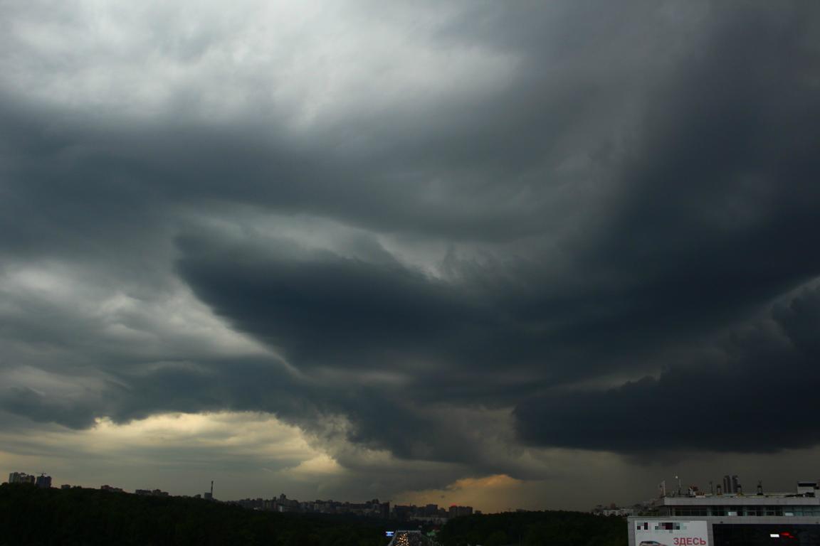 Гроза и сильный ветер: В Башкирии резко ухудшится погода