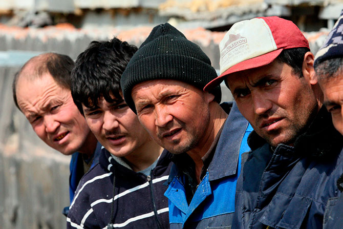 Приставы Башкирии отправили на родину 7 иностранцев