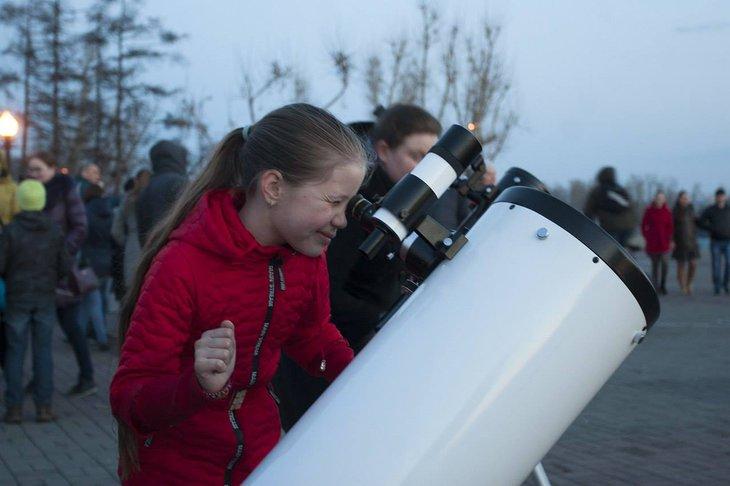 Наблюдения Луны в телескоп пройдут в Иркутске 18 мая
