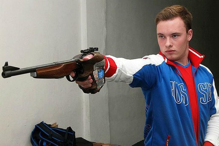 Артем Черноусов выиграл серебряную медаль на Кубке мира по пулевой стрельбе