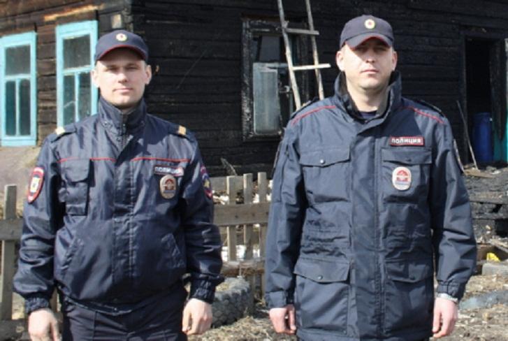 Полицейские спасли 12 человек при пожаре жилого дома в Мегете