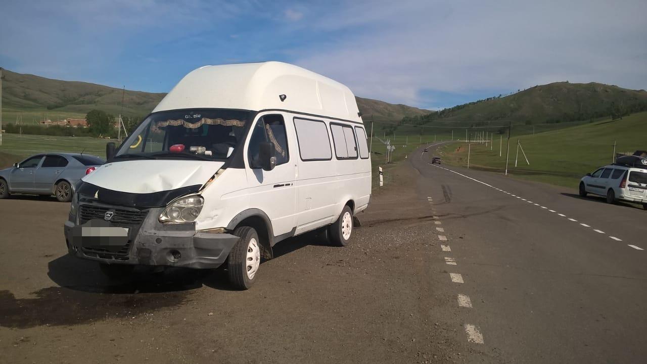 В Башкирии пассажирский автобус попал в ДТП: Пострадали две 9-летние девочки и женщина