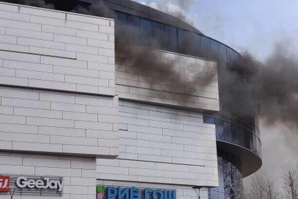 В торговом центре «Сильвер молл» произошел пожар