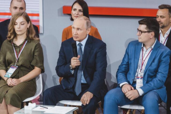 Владимир Путин пообещал разобраться с низким качеством жилья детей-сирот в Тайшете