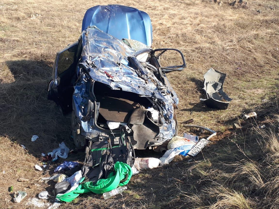 В Башкирии автомобиль вылетел в кювет и перевернулся – В салоне находились два младенца