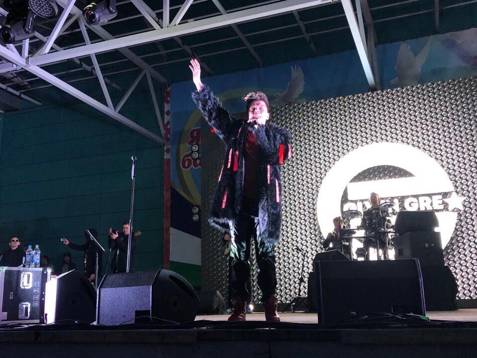 Жители Башкирии пожаловались на отсутствие туалетов на концерте популярного певца