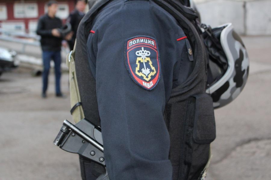 В Уфе полицейский с сообщниками вымогал у девушки деньги, угрожая ей уголовным наказанием