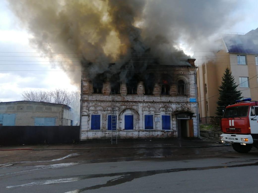 В Башкирии огонь уничтожил столетний памятник архитектуры