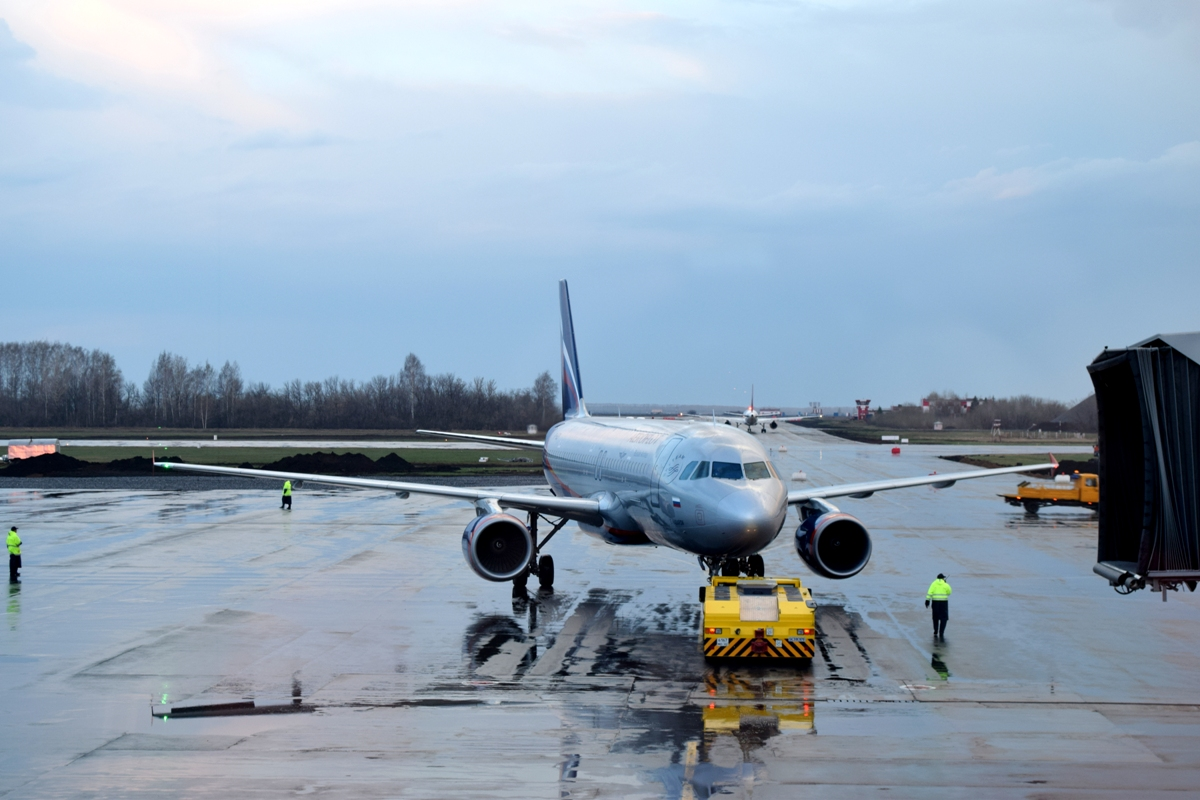 В Москве отменили рейс самолета Superjet 100 в Уфу