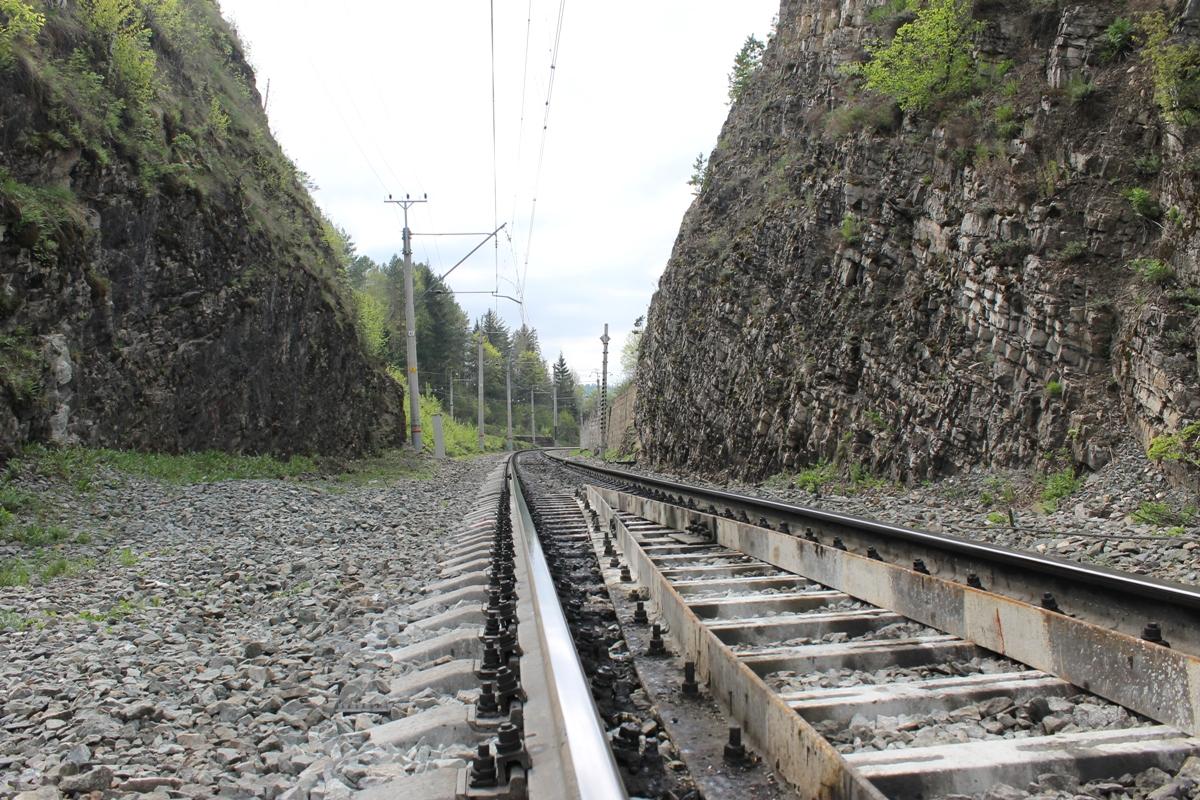 В Башкирии поезд насмерть сбил человека