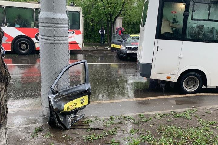 Пассажиры такси, пострадавшие в ДТП с маршруткой, получат материальную помощь