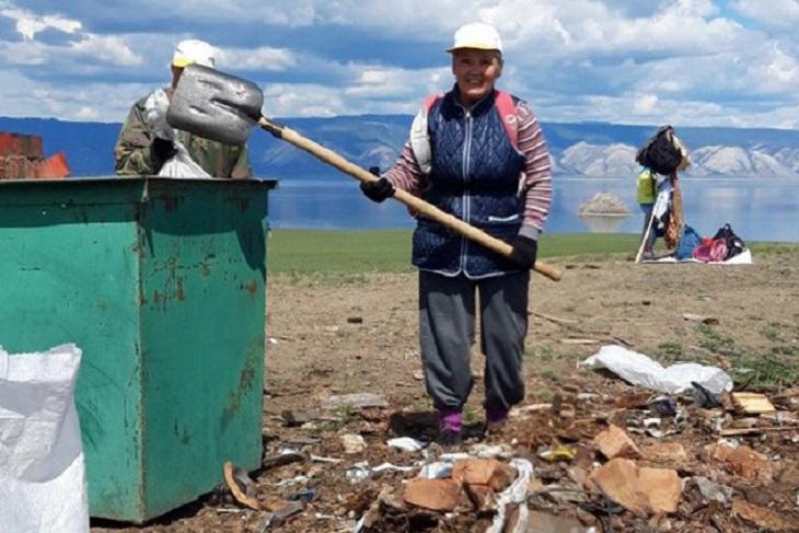 Волонтеры собрали 450 мешков с мусором на Ольхоне за пять дней