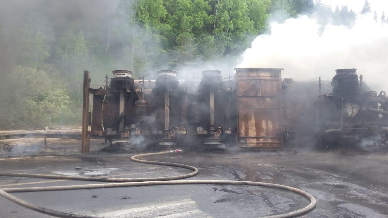В Башкирии мужчина получил ожоги, пытаясь потушить загоревшийся бензовоз