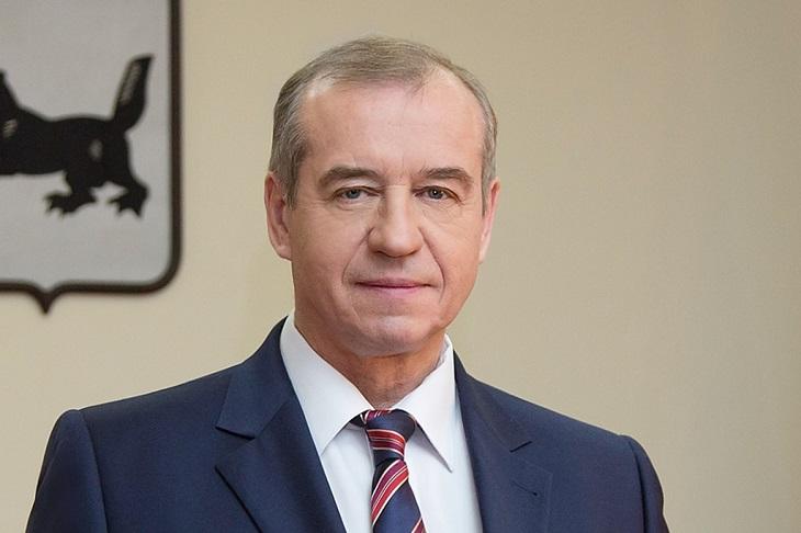 Губернатор Сергей Левченко рассказал, что травмировал спину, упав с мотоцикла