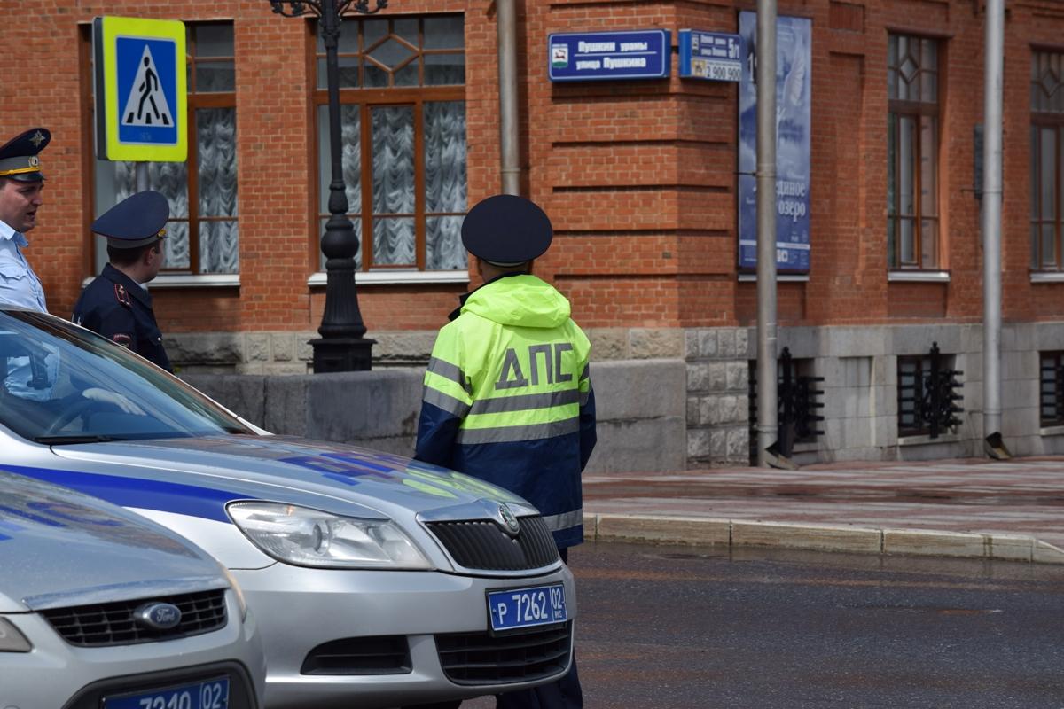 В Башкирии сотрудника ГИБДД осудят за скрытие причастности его пьяного коллеги к ДТП
