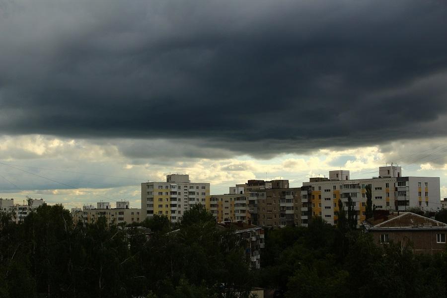 Завтра в Башкирии ожидаются дожди, грозы и шквалистый ветер