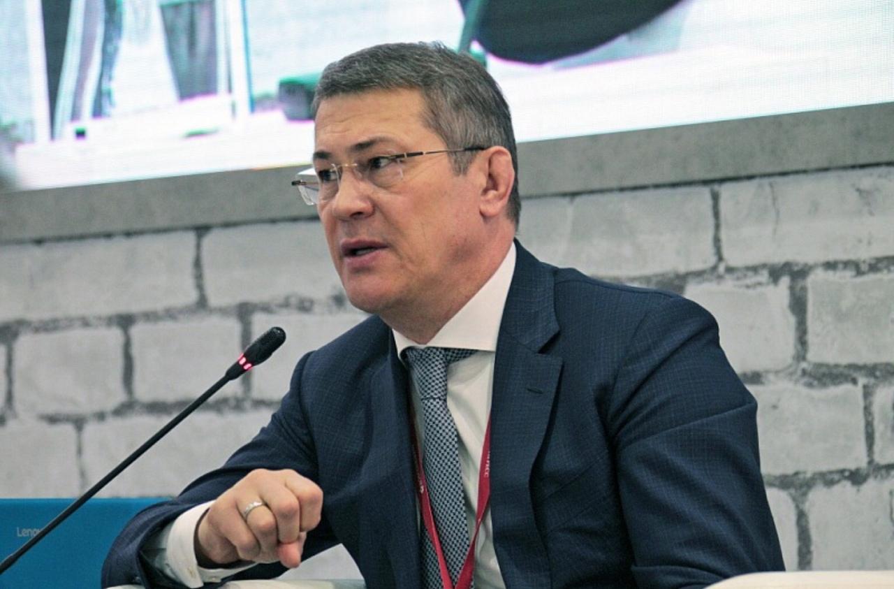 «Выпить все равно не нальют»: Радий Хабиров предложил чиновникам больше работать