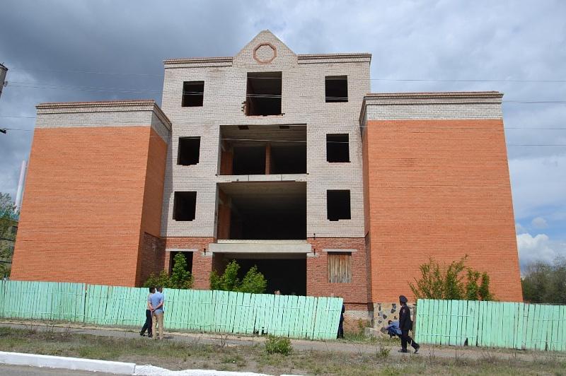 Радий Хабиров распорядился выделить из бюджета деньги для завершения строительства двух долгостроев