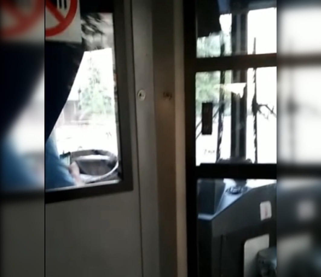 «Черт пойми, что происходит»: Жителей Уфы возмутило поведение водителя автобуса