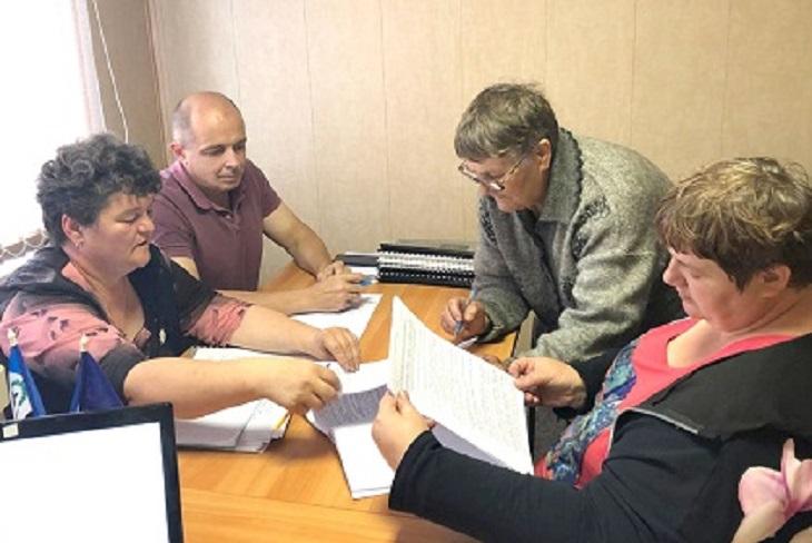 Спикер Заксобрания провел прием граждан в Тулунском районе
