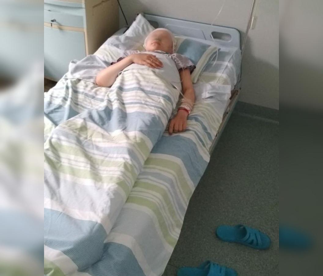 «Между жизнью и смертью. Просим вас помолиться за нашу девочку»: Серьезно больной 15-летней уфимке стало хуже
