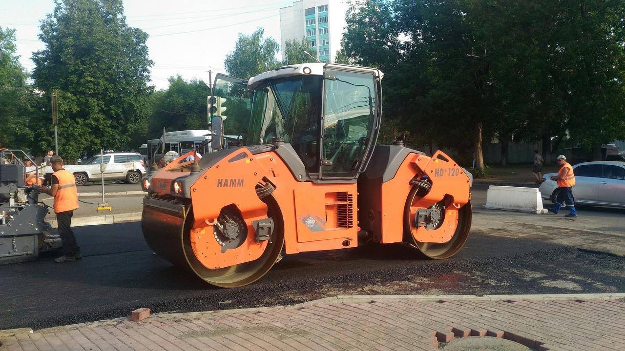 Радий Хабиров проверил темп работ на дороге, которую должны были построить в прошлом году