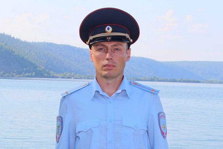 Сотрудник транспортной полиции спас троих рыбаков на Братском водохранилище