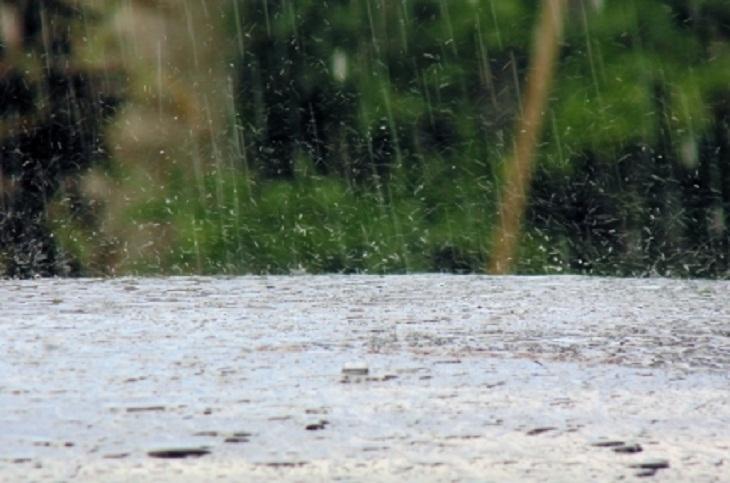 МЧС предупредило о повышении уровня воды в реках из-за сильных дождей