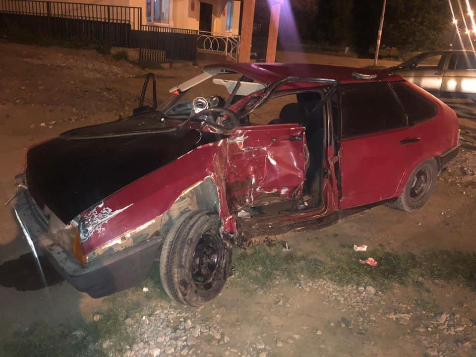 В Башкирии мотоциклист и его пассажир угодили в больницу после столкновения с «девяткой»