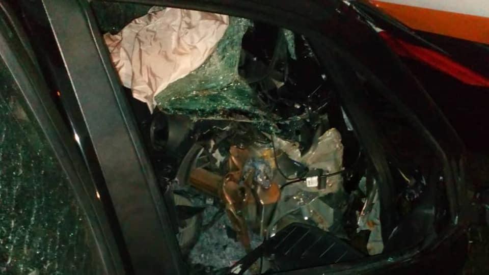 В Башкирии автомобиль слетел с дороги и врезался в рекламный баннер – Погиб пассажир