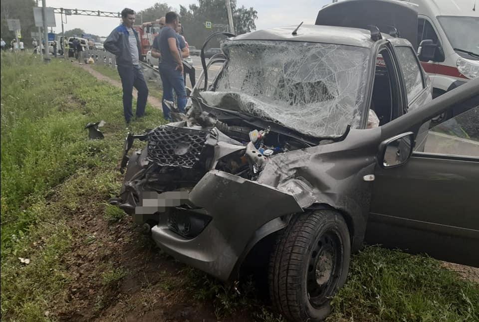 В Уфе в столкновении двух иномарок пострадали шесть человек, среди которых 3-летняя девочка