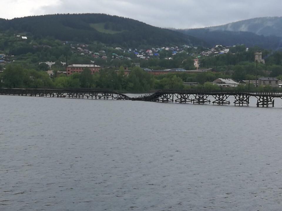 В Белорецке рухнул мост из сериала «Вечный зов»