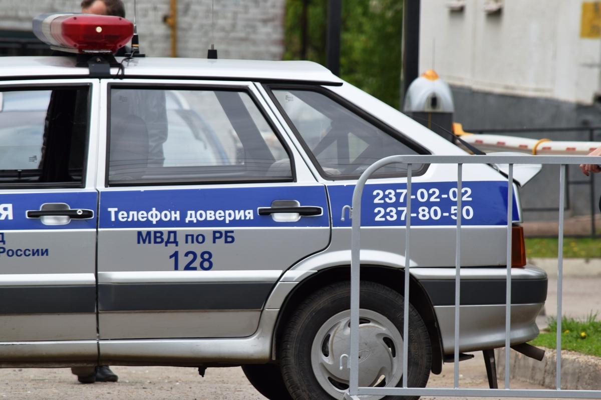 В Башкирии пьяный водитель, не согласившись со штрафом, повредил лобовое стекло патрульного автомобиля ГИБДД