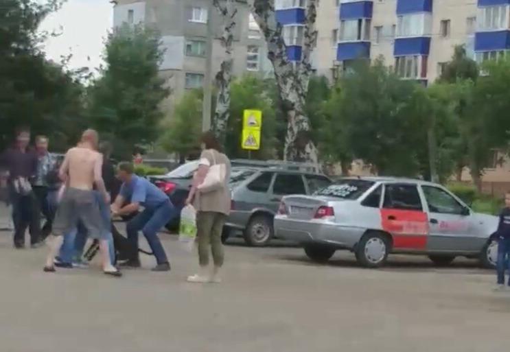 Видео: В Башкирии собака бойцовской породы накинулась на 3-летнюю девочку