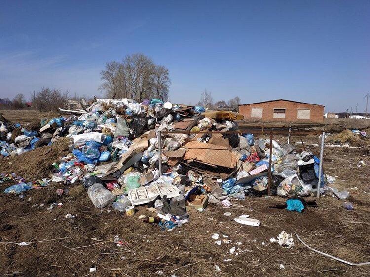 В Башкирии муниципалитет закрыл глаза на дымящийся несколько дней мусорный полигон