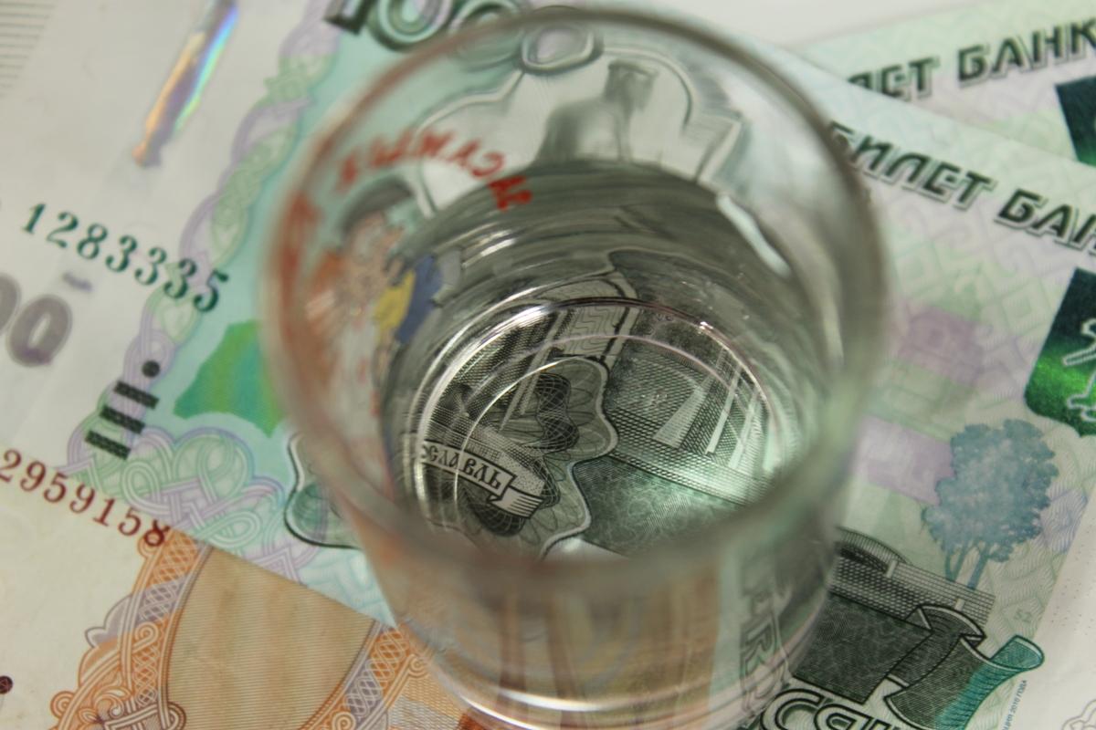 Радий Хабиров обсудил с Игорем Алёшиным незаконную продажу алкоголя