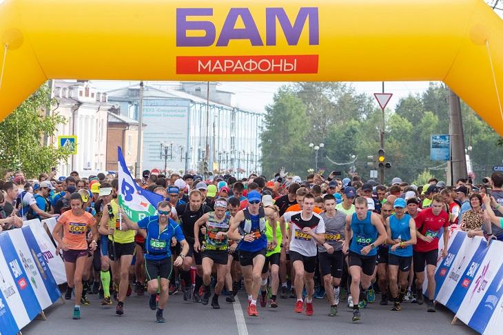 536 человек приняли участие в скоростном восхождении на пик Черского