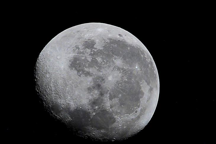 Роскосмос начал подготовку к полету на Луну