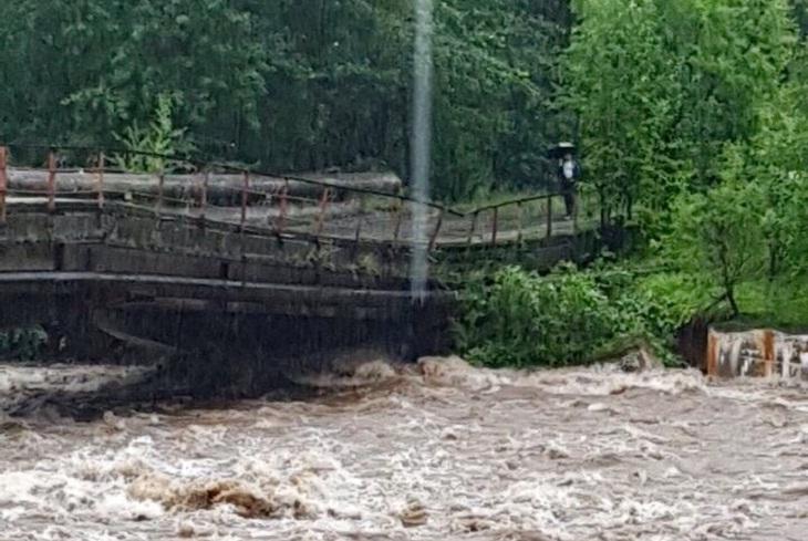В Иркутской области восстановили разрушенные наводнением паромные переправы