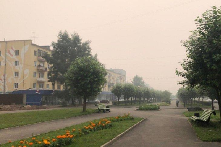 В зоне задымления от лесных пожаров остаются 62 населенных пункта Иркутской области