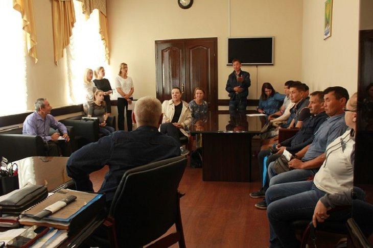 Жители трех поселков Иркутского района обратились к мэру для защиты их прав на земельные участки