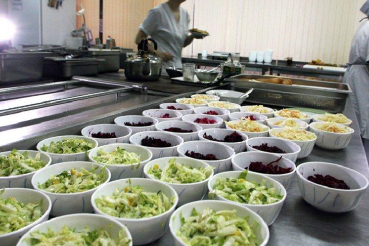 18-летние школьники Иркутской области будут питаться бесплатно