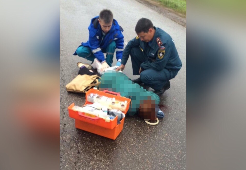 В Башкирии пожарные помогли сбитой на их глаз девушке