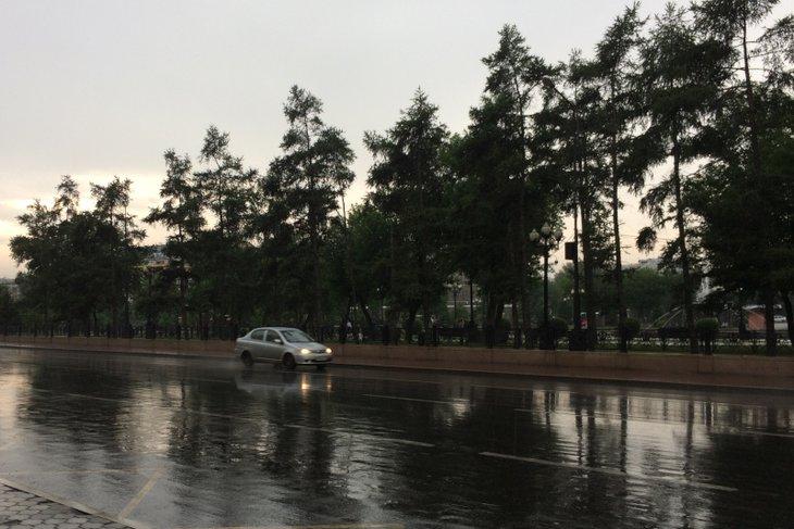 4 августа в селеопасных районах Иркутской области ожидаются сильные дожди и грозы