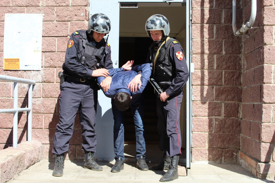 В Уфе мужчина ограбил магазин на проспекте Октября