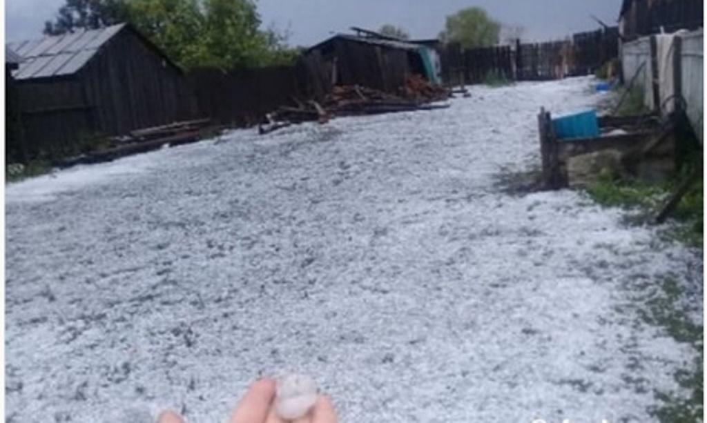 «Конец света»: Деревню Башкирии засыпало градом