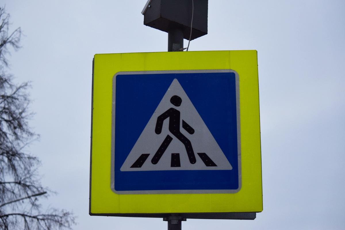 От страха можно и на встречную полосу вырулить – Водители Уфы испугались установленных для борьбы с лихачами макетов на обочинах дорог