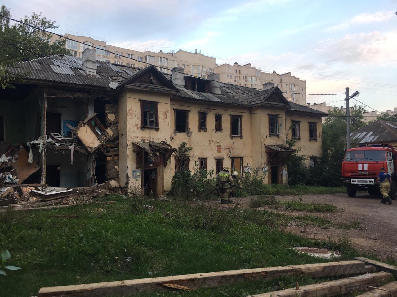 В Уфе горел двухэтажный барак