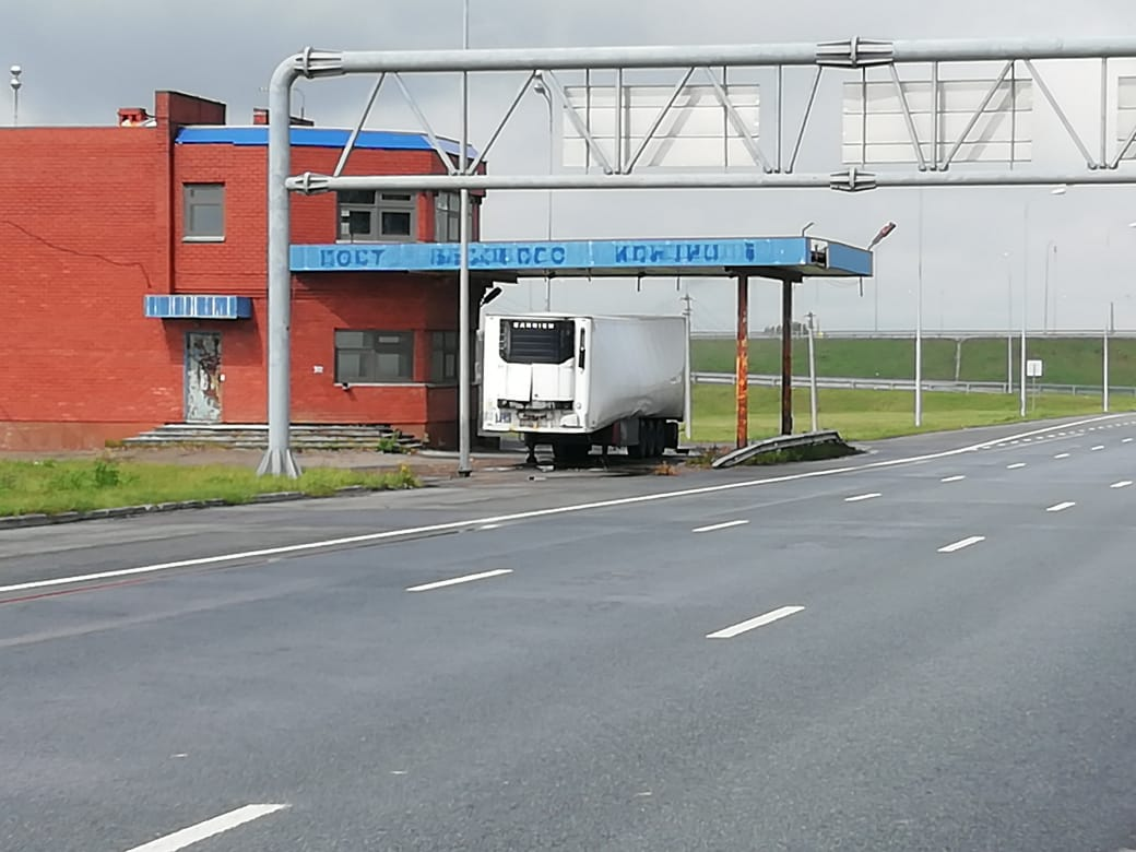 Трассу М7 перекрыли из-за утечки перевозимого в Башкирию опасного вещества