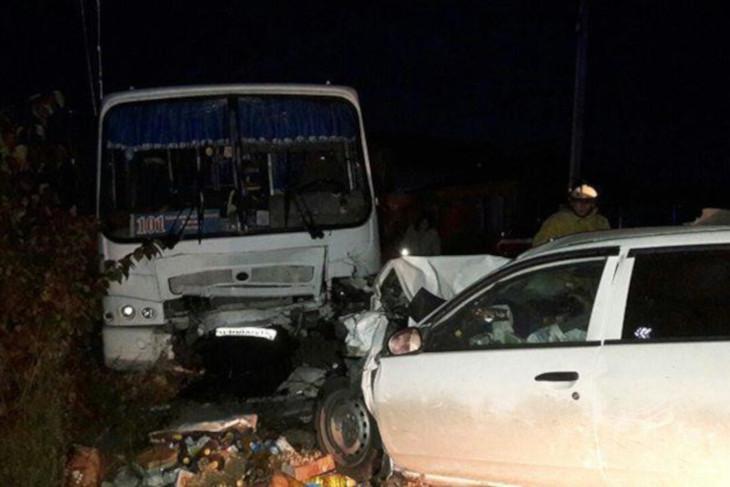 Водитель Nissan, столкнувшийся с рейсовым автобусом в Баклашах, был трезв